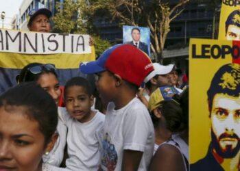 """La oposición venezolana se autoconvoca con consignas """"populistas"""""""