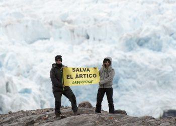Las youtubers Yellow Melow y María Cadepe llegan al Ártico con 180.000 firmas para la campaña de Greenpeace para protegerlo