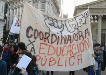 Argentina: Miles de estudiantes secundarios marcharon en defensa de la educación pública