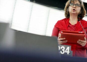 """López (IU): """"Hemos conseguido que el Parlamento Europeo haga una apuesta decidida a favor de las renovables"""""""