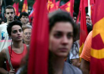 Convocan a movilizarse en Grecia para recordar la traición de Syriza