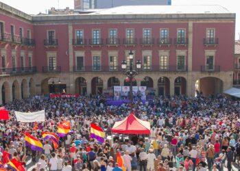 Garzón coincide con CC.OO. y UGT en que las políticas del PP son el «principal enemigo» para el carbón asturiano