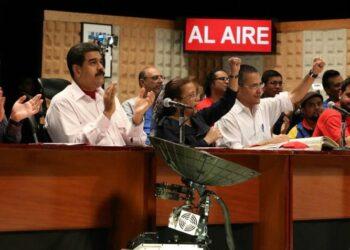 Maduro: Ameritamos ampliar, afinar y expandir el esfuerzo por la batalla comunicacional en Venezuela