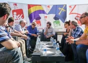Garzón apuesta por un nuevo Estatuto de los Trabajadores y por derogar las reformas laborales