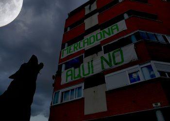 Para alegría del vecindario, el pleno del Ayuntamiento de Madrid vuelve a postergar la decisión sobre el Mercadona de la calle Estocolmo