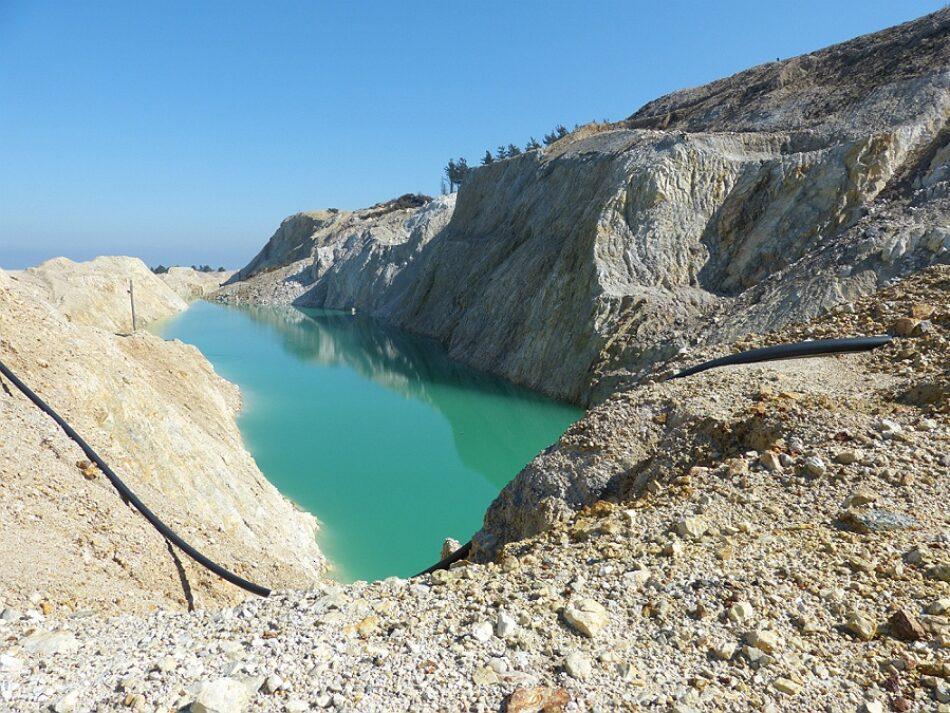 El antiguo complejo minero del Monte Neme, entre la pasividad y el peligro