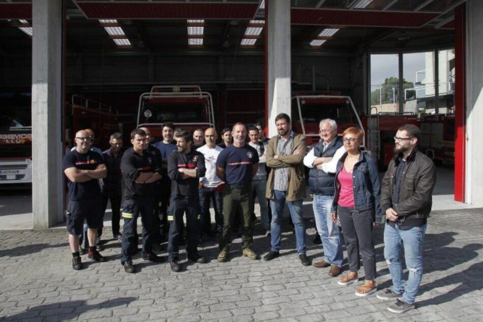En Marea comprométese a reverter as privatizacións dos servizos de emerxencias e extinción de lumes impostas polo PP e redactar o Estatuto do Bombeiro demandado polos profesionais