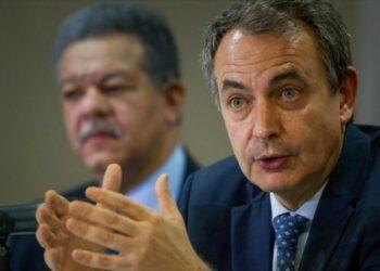 Zapatero aboga por diálogo en Venezuela y Capriles le insta a que vea la realidad que vive el país