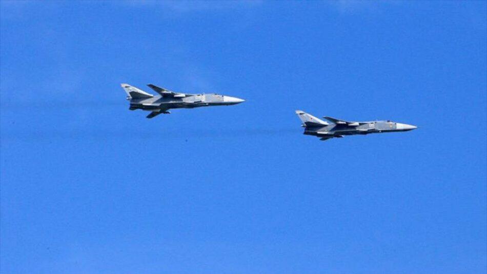 Cazas rusos atacan posiciones de terroristas junto a la frontera de Turquía