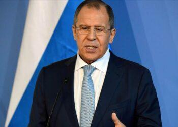 Lavrov: Exgenerales iraquíes despedidos por EEUU forman la cúpula de Daesh