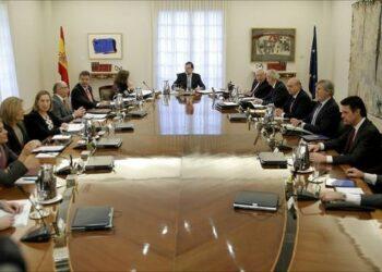 Denuncian que «El PP aprueba por decreto y a escondidas las reválidas franquistas»