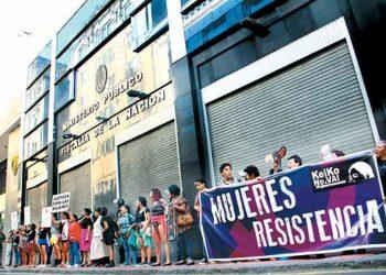 Perú: Fiscal archiva caso esterilizaciones