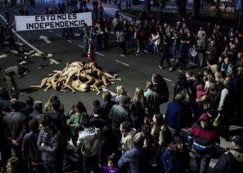 «Esto no es independencia», la audaz protesta de un grupo de artistas en argentina