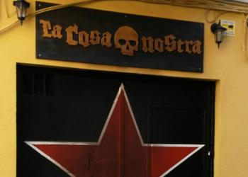 Condena y total repulsa al ataque fascista y violento contra la sede de la Cosa Nostra
