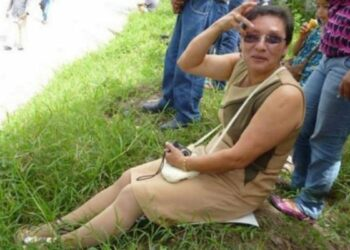«Frente al asesinato de Lesbia Janeth Urquía en Honduras las feministas integrantes de los movimientos sociales del ALBA gritamos con Berta Cáceres: ¡Despertémonos, humanidad!»