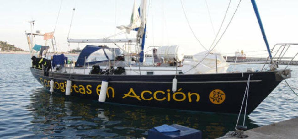 El velero Diosa Maat limpia el Mediterráneo con su campaña 'Azul oscuro, casi plástico'