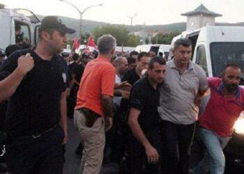 Gobierno turco emite órdenes de arresto contra 47 ex empleados del diario Zaman