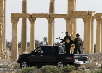 EIIL dice haber derribado un helicóptero ruso cerca de Palmira; Rusia lo desmiente