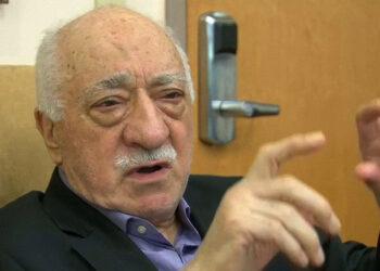 El opositor Gulen sugiere que Erdogan simuló el alzamiento