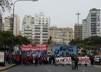 Argentina: Debido a la grave situación económica organizaciones sociales se movilizaron exigiendo asistencia alimentaria