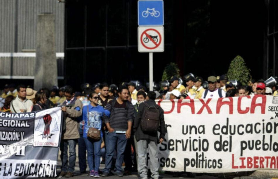 México: Redoblan Bloqueos de los maestros de la CNTE en Oaxaca, Guerrero y Michoacán