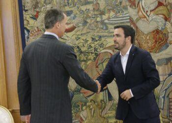 Garzón emplaza al PSOE tras reunirse con el Jefe del Estado a «explorar una vía alternativa» para formar Gobierno