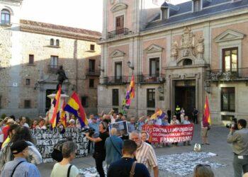 Organizaciones memorialistas y víctimas del franquismo se movilizan para que el 18 de julio sea declarado Día de la condena del Franquismo