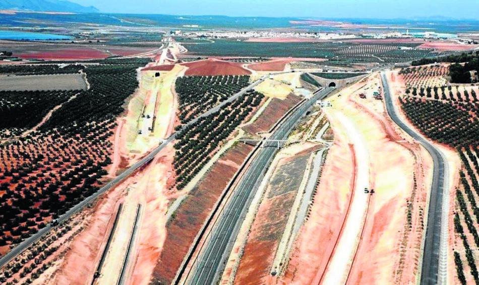 """EQUO espera que el varapalo sobre el anillo ferroviario sirva para """"aprender a huir de proyectos megalómanos"""""""