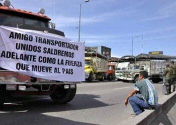 Paro camionero en Colombia continuará indefinidamente