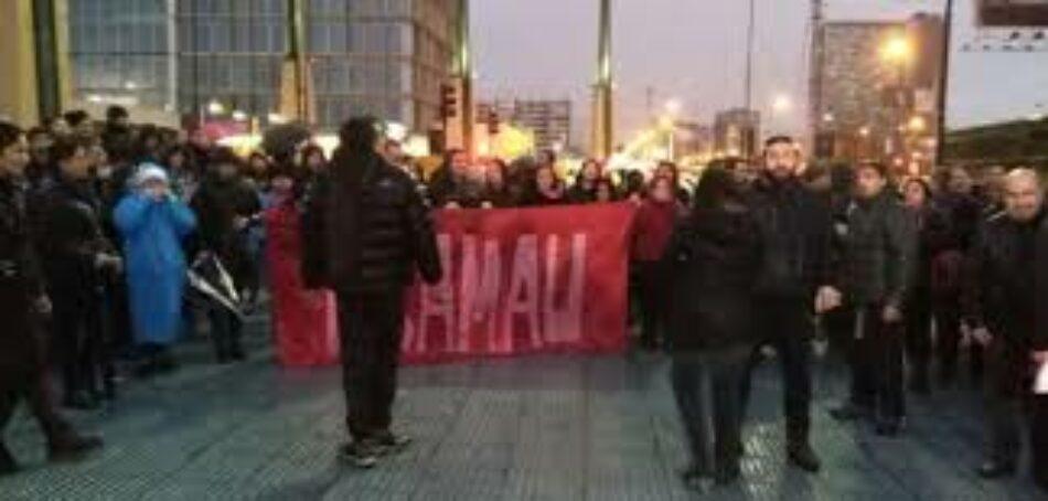 Carabineros dispersó manifestación del movimiento Ukamau por Día de la Dignidad Nacional en Chile