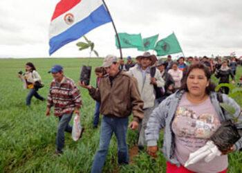 """IU muestra su """"frontal rechazo"""" por las """"injustas condenas"""" a los campesinos de Paraguay vinculados a la 'masacre de Curuguaty' que sirvió para echar del poder a Fernando Lugo"""