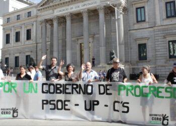 Recortes Cero – Grupo Verde se ha concentrado frente al Congreso reclamando un Gobierno de Progreso: PSOE – Unidos Podemos – Ciudadanos