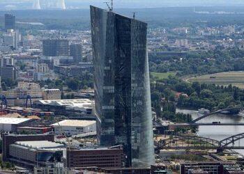 El BCE reparte 470 millones de ayudas públicas a Telefónica, Iberdrola y Repsol