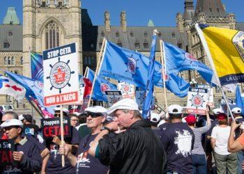 Las prisas por aprobar el acuerdo comercial con Canadá, el CETA, ensancharán la brecha entre la ciudadanía y la UE