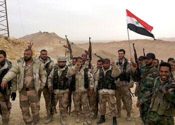 Ejército sirio busca cerrar las vías de comunicación del EI con Iraq