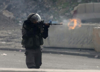 Israel: ante pedrada palestina, disparar a muerte