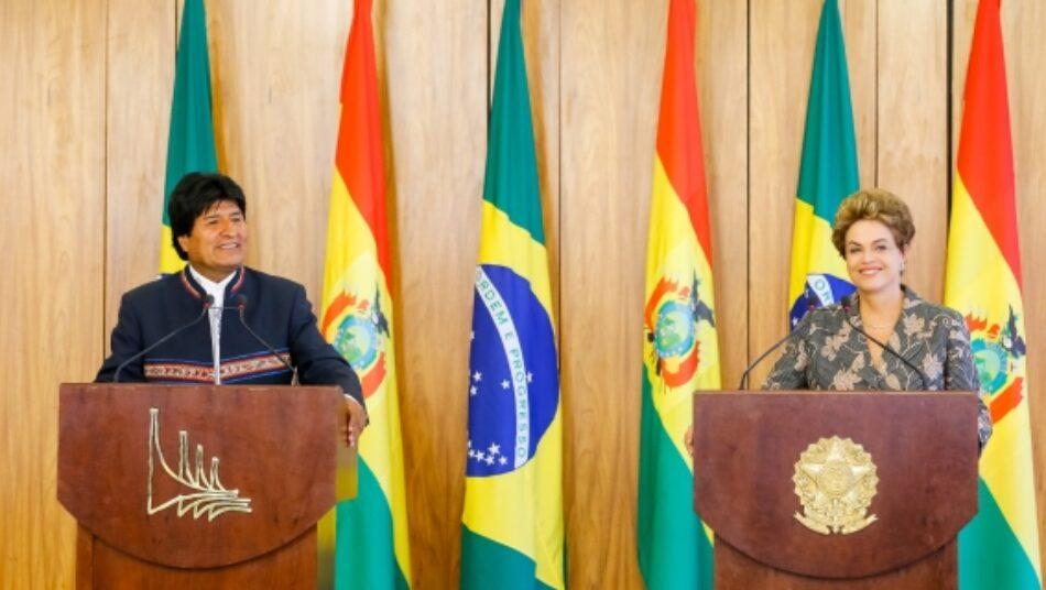 """Evo Morales dice que juicio a Rousseff es """"injusto"""" y pretende contener rebelión del pueblo"""