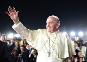 """El papa Francisco defiende al islam y fustiga el terrorismo de los yihadistas y del """"dinero"""""""