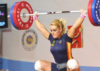 El PCE y la UJCE felicitan a Lydia Valentín, ejemplo de mujer deportista