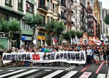 Euskal Herria: Un millar de manifestantes exigieron en las calles de Bilbao la Amnistía para los presos y presas vascas