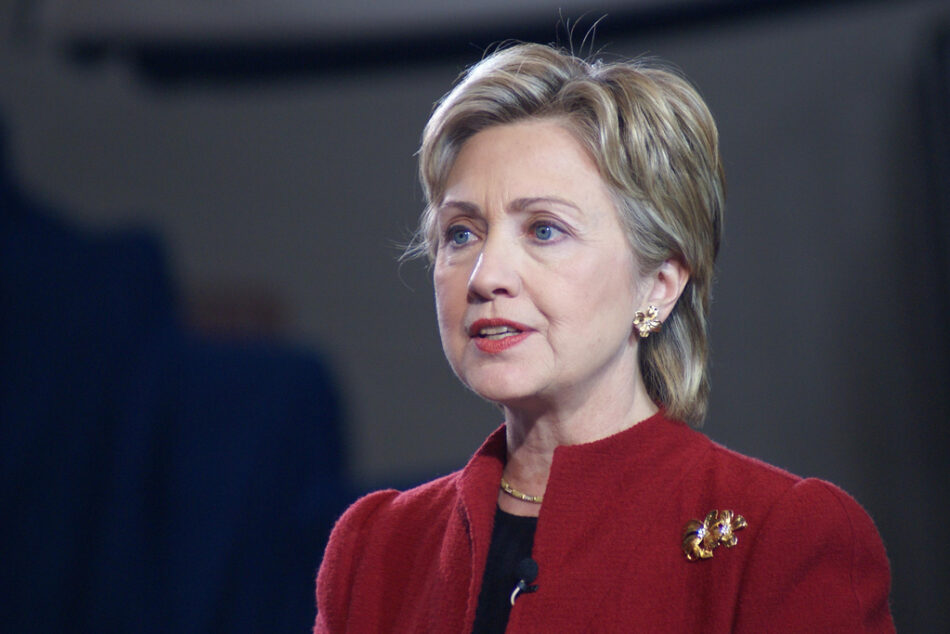 Coqueteando con el EI: Dos manchas en la biografía de Hillary Clinton que marcarán las elecciones
