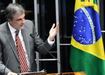 Abogado de Rousseff: El único que puede juzgarla es el pueblo