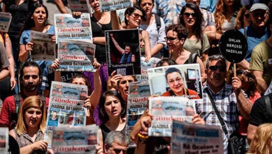 Turquía detiene a 17 periodistas de diario prokurdo