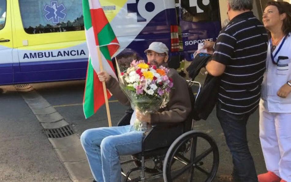 Regresa a Euskal Herria tras 35 años de exilio uno de los presos canjeados por Javier Rupérez