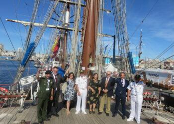 Buque escuela Simón Bolivar arribó al puerto de A Coruña