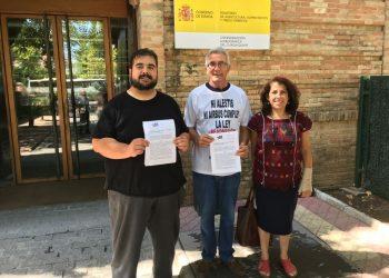 El SAT registra junto con el diputado Diego Cañamero y la Parlamentaria Andaluza, Mari García, un documento en la CHG para parar la subasta de los olivos del Giribaile