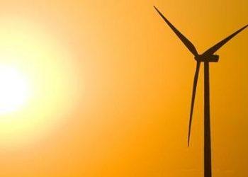 ¿Por qué en verano sube el precio de la electricidad? Claves de Greenpeace para entenderlo