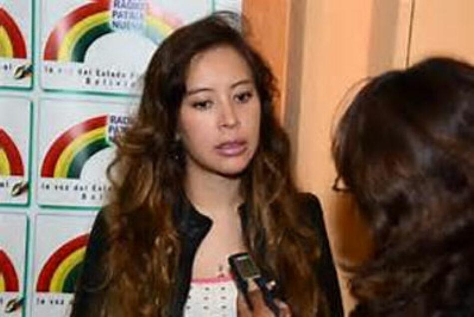 Las revoluciones son actos de amor, afirma diputada boliviana