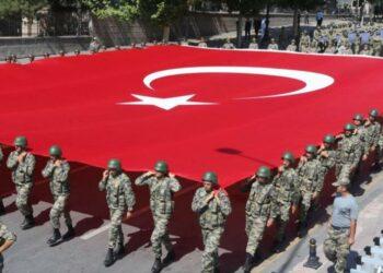 Turquía oficializa el despido inapelable de 40 mil funcionarios