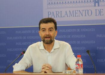 """Antonio Maíllo: """"No vamos a tolerar que los fondos buitres hagan un negocio de los servicios sociales"""""""